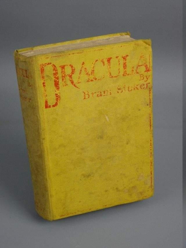 Dracula 1st Edition