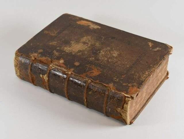 Breeches Bible