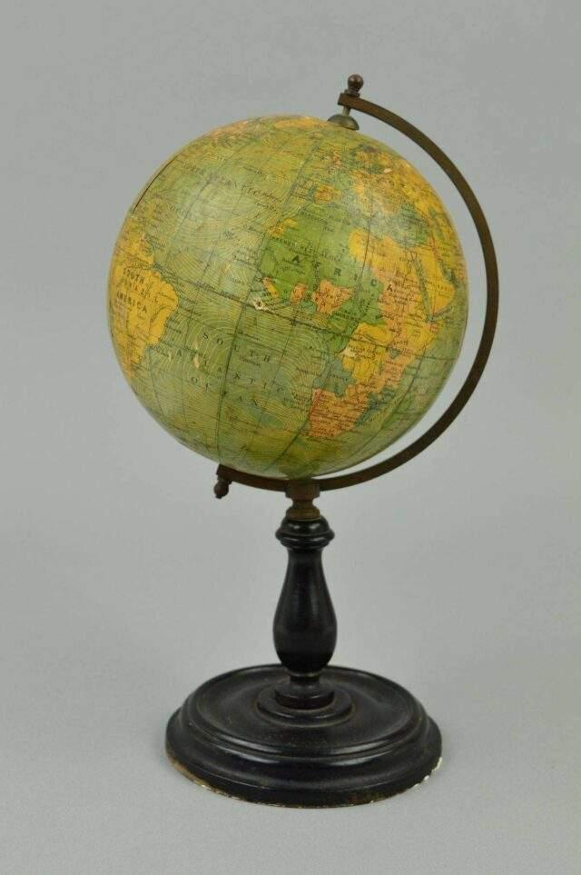 Phillips, 1950s Globe