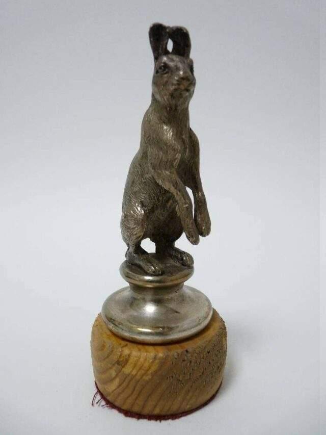 Alvis Hare mascot