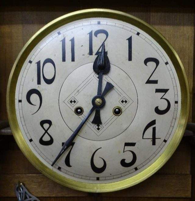 Arts Crafts Clock