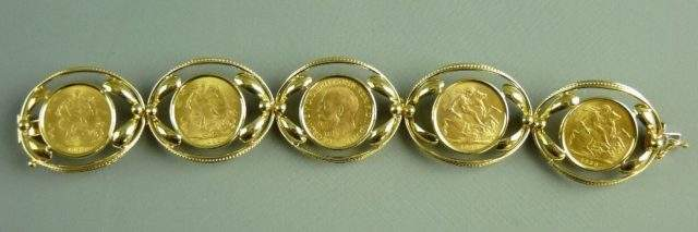Gold Sovereign Link Bracelet