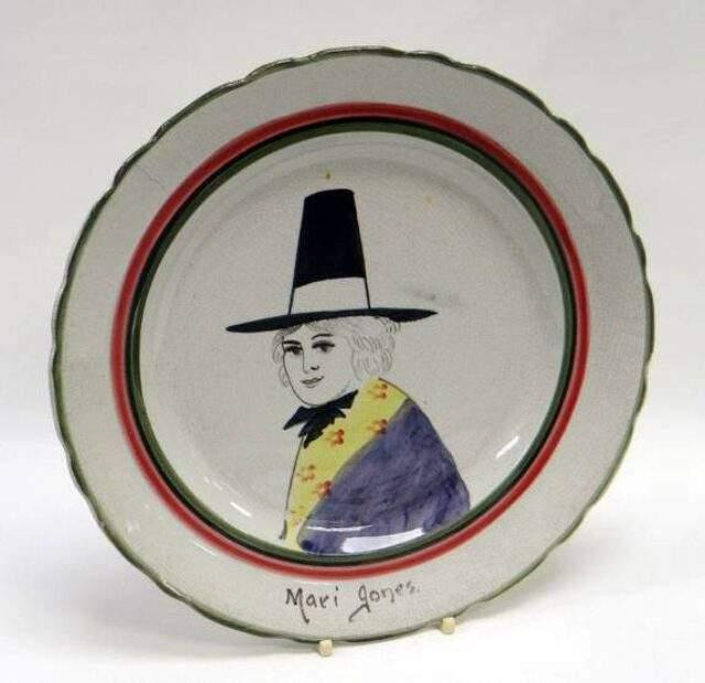 Mari Jones Plate