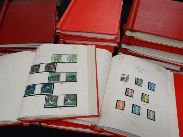 Stanley Gibbons Senator Albums