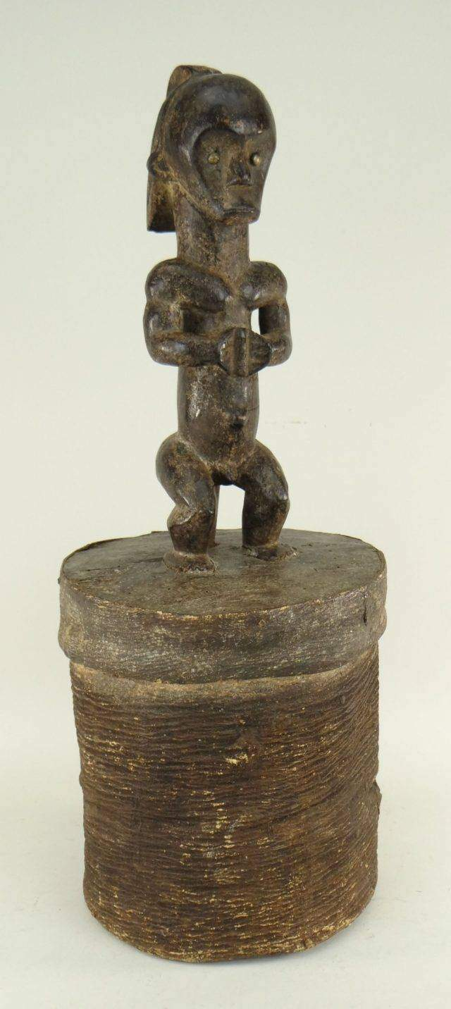 Fang bark reliquary container