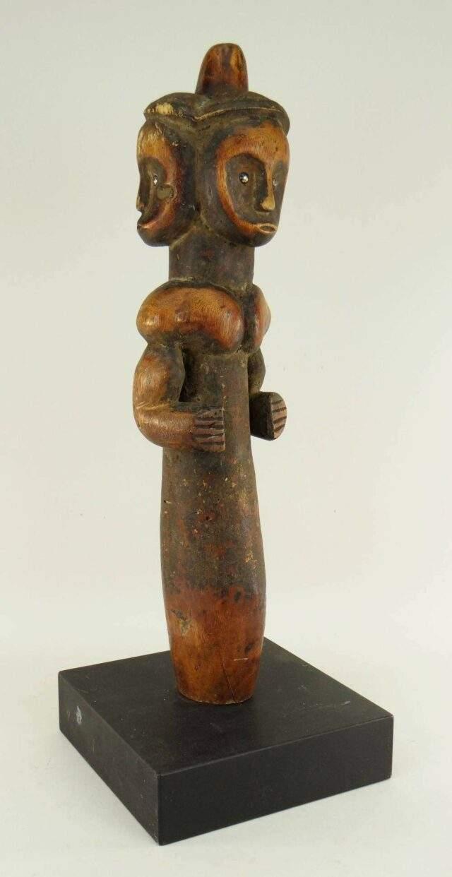 Fang reliquary guardian