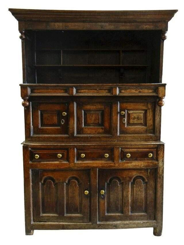 18th Century Snowdonia Cwpwrdd Tridarn