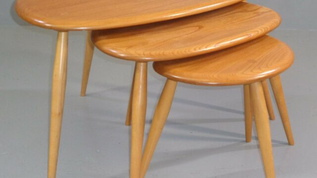 Pebble tables