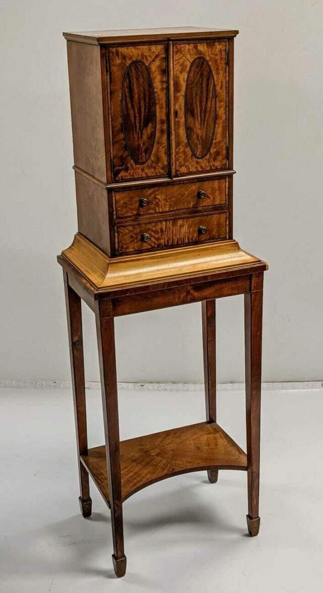 George III satinwood cabinet on stand £1000-1500