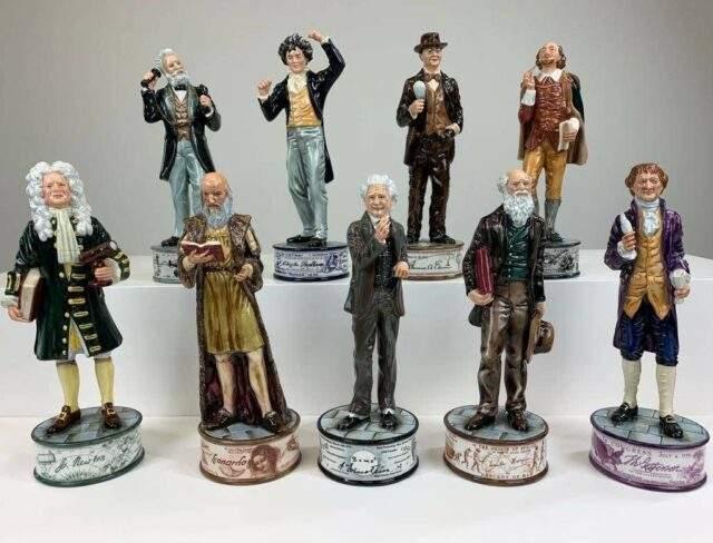 Royal Doulton 'Prestige Pioneer' figures Lot 137-147